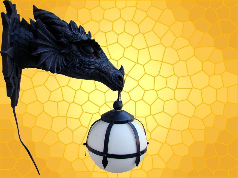 Lampe t te dragon applique murale gothique dragons mobiler for Lampe chevet murale