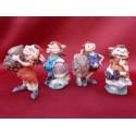 Lot de Quatre Figurines LUTINS ou GNOMES Personnages avec Champignons Rigolos et Fantasy