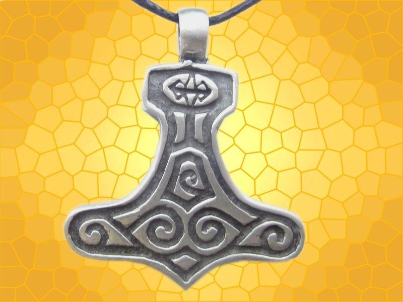 Pendentif viking marteau de thor fantasy bijou antique for Lampe decoration murale 3d marteau thor